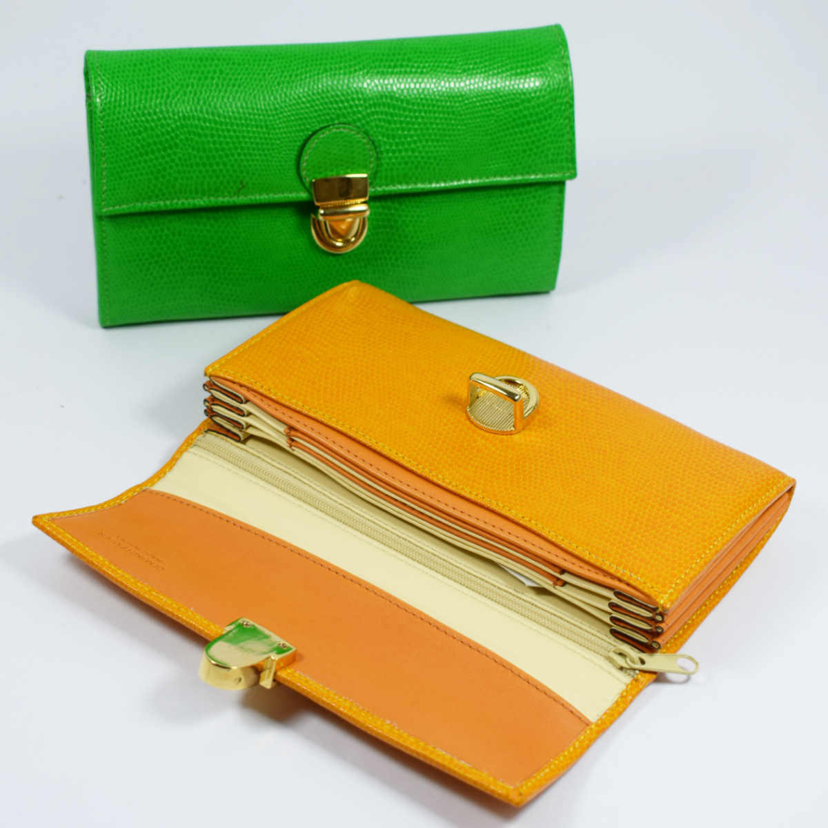 1604 WOMEN WALLET WITH BELLOWS by Bottega Fiorentina