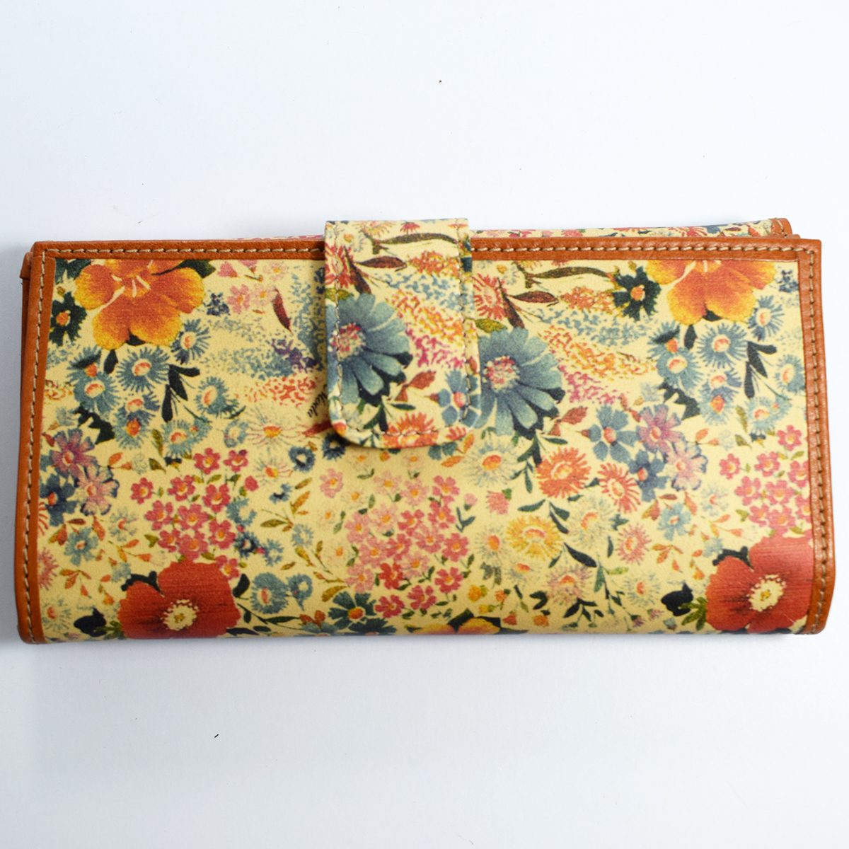 1632 Women's wallet with flap by Bottega Fiorentina